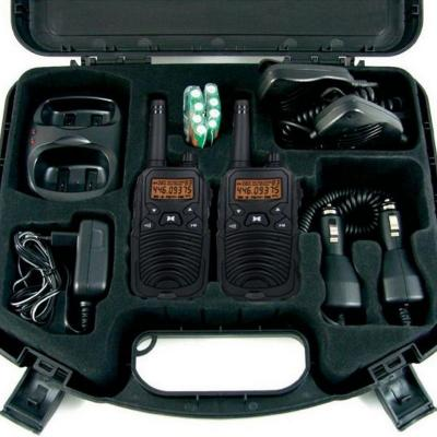 Mallette avec 2 talkies walkies haut de gamme 10 km de porte