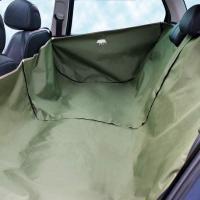 Bache de protection poils de chien dans voiture